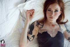 annalee_blushing_001