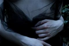 tattoo_girls_annalee_courtyard_021