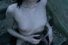 tattoo_girls_annalee_courtyard_027