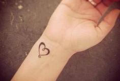 small_hearts_tattoo_08