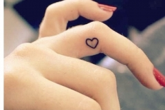 small_hearts_tattoo_09