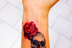 skull-rose-tattoo-for-ladies